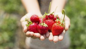 La fructosa es un tipo de azúcar que se encuentra naturalmente en las frutas.