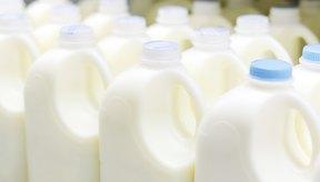 Envases que contienen leche.