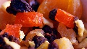 La mezcla de frutos secos puede estar llena de proteínas y vitaminas y también llena de calorías de grasa.