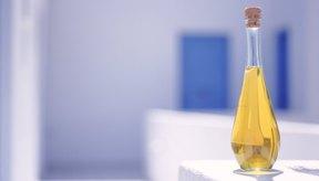 El aceite de canola y de girasol proporcionan grasas insaturadas saludables.