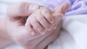 La madre forma al bebé durante la etapa de la infancia.