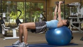 Apoya correctamente la pelota de yoga para evitar que ésta resbale o se mueva.