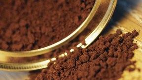 La cafeína se encuentra en el café y en otros productos.