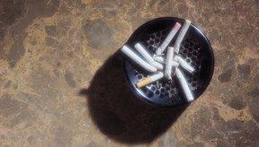 Fumar puede causar reflujo ácido al afectar el mecanismo del esfínter del estómago.