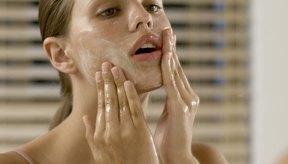 El extracto de arándano está disponible en varios productos de cuidado de la piel.