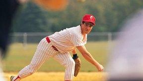 Tríceps fuertes ayudan a empujar la bola hacia delante.