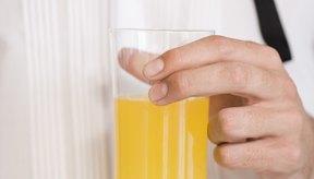 Puedes crear tus propias fórmulas para limpiar tu organismo en casa.