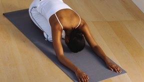 El yoga restaurador brinda calma a la mente para ayudar durante un mareo.