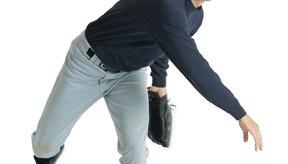 Siempre calienta tu cuerpo con ejercicios dinámicos antes de iniciar un juego de béisbol.