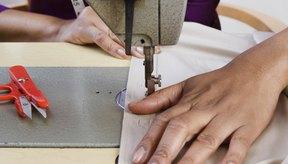 Los proyectos sencillos de costura para jóvenes utilizan una puntada recta.