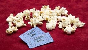 Comparte tus palomitas de maíz en el cine con tus amigos si te preocupa consumir demasiadas calorías.
