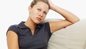 Los síntomas de un nivel elevado de amoníaco incluyen cansancio y confusión.