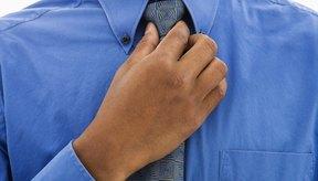 Programa varias paradas frente al espejo durante el día para asegurarte de que tu corbata esté recta.