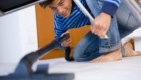 La cantidad de calorías que cada persona quema durante la limpieza de la casa varían según la persona y la actividad.