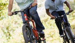 Evita las lesiones de isquiotibiales con estiramientos y un encaje de bicicleta adecuado.