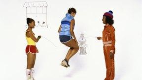También puedes incorporar el brazo en círculos en divertidas actividades como saltar a la cuerda.