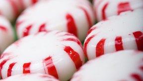 Los dulces de menta están hechos principalmente de azúcar o jarabe de maíz.