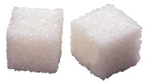 Los azúcares agregados son una fuente de calorías vacías.
