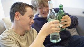 Orienta a los adolescentes para que no cometan errores que los marquen de por vida.