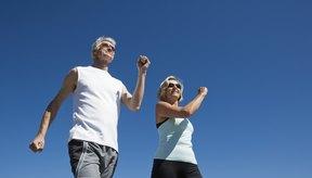 La caminata es un excelente ejercicio de bajo impacto luego de una cirugía de hernia.