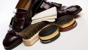 Prepara un equipo de limpieza de calzado y tenlo a mano.