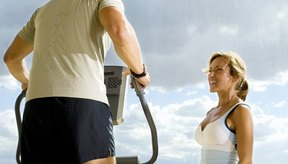Un entrenador elíptico puede ayudarte a quemar la misma cantidad de calorías que un trote ligero.