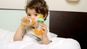 Llenar los biberones con bebidas azucaradas puede llevar a que los dientes se deterioren y se caigan.
