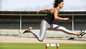 La cadera se une al hueso de la pierna con el hueso pélvico.