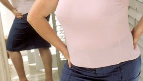 Usa prendas diseñadas a tu medida para una apariencia más delgada.