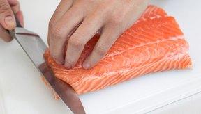 La creatina se encuentra en fuentes de la dieta como el pescado, especialmente en el salmón.