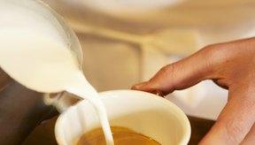 El café se sirve comúnmente con leche, el cual es un alimento altamente alergénico.
