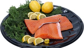 No existen frutas con vitamina B12. Sólo puedes encontrarla en las carnes y los pescados grasos.