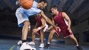 Encintar un pulgar lesionado puede permitir que el jugador siga regateando con efectividad.