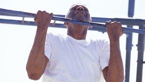 En las dominadas con agarre supino principalmente trabajan tus bíceps.