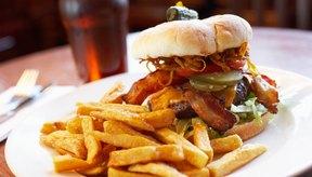 La fase 1 incluye consumir alimentos ricos en grasas.
