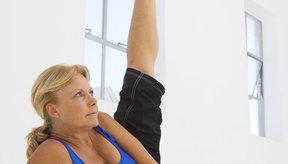 La abducción lateral de la cadera fortalece tus músculos abductores usando tu propio peso corporal.