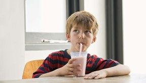 La leche es una elección de bebida llena de nutrientes para muchos niños.