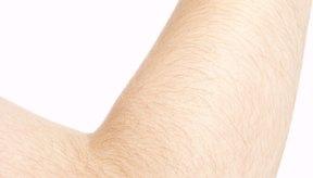 La piel suave y flexible de tus codos se ve y se siente atractiva.