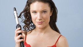Cómo decides reparar tu cabello depende de la ubicación de los mechones lacios.