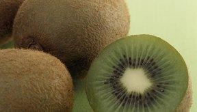 Un kiwi medio tiene 20 miligramos de calcio