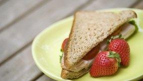 Los alimentos bajos en calorías y altos en fibra te ayudarán a sentirte satisfecho y ayudan con la pérdida de peso.