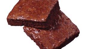 Los brownies hechos con bicarbonato de sodio suelen ser compactos y no como las tortas.