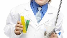Los niños pueden explorar la química con objetos encontrados alrededor de la casa.