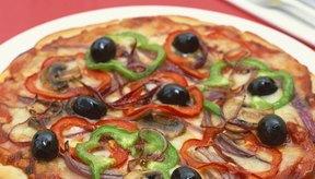 La pizza vegetal es más baja en calorías que la pizza de carne.