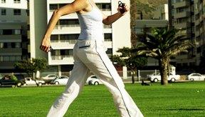 Una persona promedio recorre una milla caminando en aproximadamente 2.000 pasos.