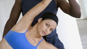 Un entrenador personal puede ayudarte a alcanzar tus metas de condición física.