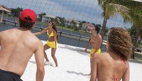 En el voleibol cada jugador debe ser capaz de rechazar el balón cuando el otro equipo lo lanza.