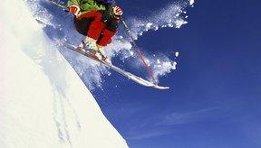 No te olvides del protector solar cuando vas a esquiar.
