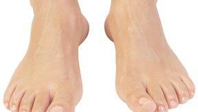 Mejora la salud de tus pies con ejercicios para corregir los arcos vencidos.