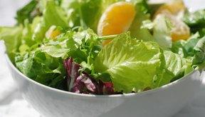La ensalada es un almuerzo nutritivo.